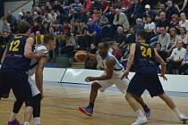 Z utkání BC Geosan Kolín - Opava (85:96).
