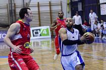 Druhý zápas čtvrtfinálové série vyhrál Kolín nad Pardubicemi 83:76.