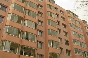 Stále prodejné jsou podle realitních makléřů i drahé byty stejně jako domy v jakémkoli stavu.