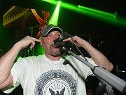 Kapela Blue Bucks potěšila své fanoušky tentokrát ve Starých lázních.