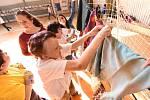 Nejdelší šála na Hrách pro radost měřila dvě stě padesát metrů