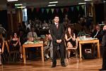 Poslední maturitní ples se odehrál až po zkoušce dospělosti
