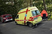 Dopravní nehoda sanitky a golfu. 16. června 2009
