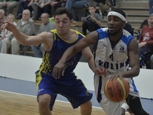 Z utkání BC Geosan Kolín - Opava (72:76).