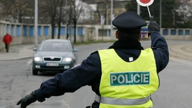 Dopravní policisty v kraji posílí figuríny. Jejich úkolem je svou přítomností varovat řidiče na nebezpečných úsecích.
