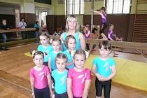 Kolínský tým malých děvčátek na závodech v Praze.