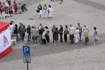 Lidé stáli ve frontách na vyšetření zdarma