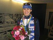 Za rychlobruslařkou Martinou Sáblíkovou zamířila do nizozemského Heerenveenu i její maminka Eva (vpravo) a věrná fanynka Marie Urbánková z Brna.