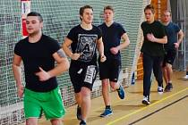 Příznivci bojového sportu MMA nyní trénují v Kolíně, založili svoji divizi