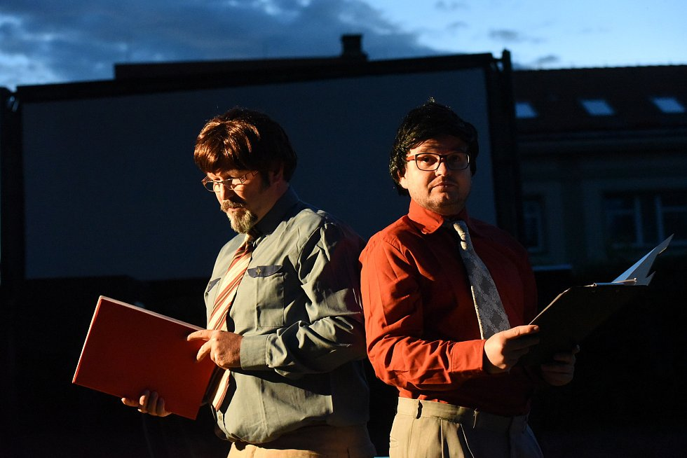 Legendární film o básnících zahájilo čtení poezie i divadelní pásmo.