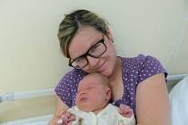Viola Juhászová se narodila 25. října 2020 v kolínské porodnici, vážila 3250 g a měřila 48 cm. V Poděbradech ji přivítala sestřička Bára (17) a rodiče Veronika a Alexandr.