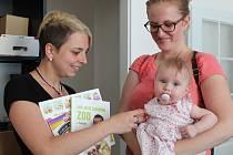 Vítězové klání Miminko roku přebírají ceny v redakci Kolínského deníku