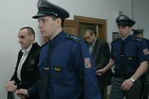 ODSOUZENÍ Jiří Kubín a Michal Strnad odmítají, že by plánovali vraždu obchodního partnera. Jejich případ ještě zřejmě posoudí odvolací senát.