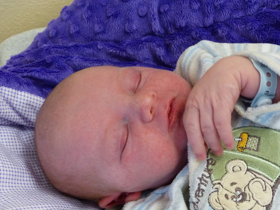 Stanislav Klimeš se narodil 16. ledna 2021 v kolínské porodnici, vážil 3780 g a měřil 50 cm. V Nové Vsi I - Ohradě se z něj těší sourozenci Radim (9), Emma (1) a rodiče Michala a Stanislav.
