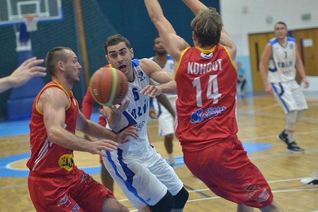 Z utkání BC Geosan Kolín - Pardubice (82:88).