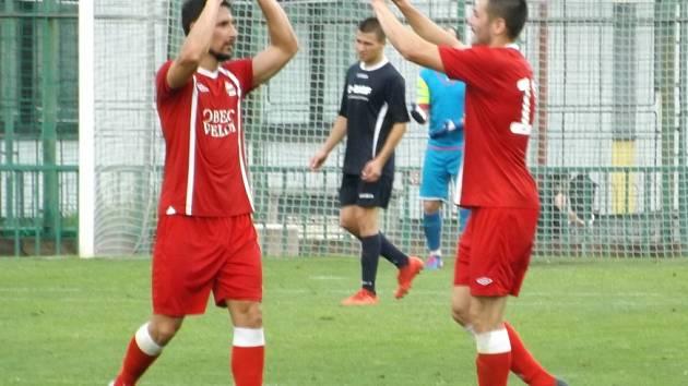 Z utkání I. A třídy Velim - Vyšehořovice (3:0).