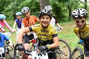 Poslední sportovní den v Kolíně ukončila cyklistika, basketbal i házená.