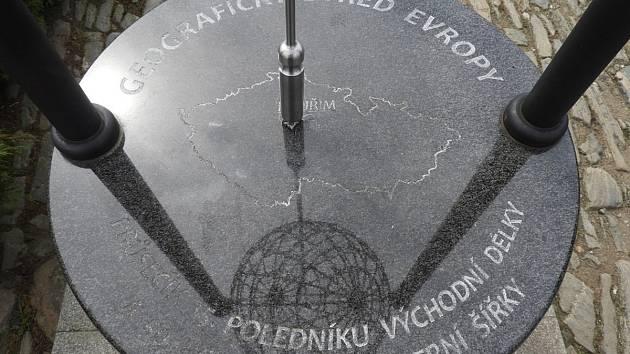 Geografický střed Evropy v Kouřimi na Kolínsku.