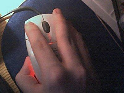 Myš dělá peníze. Co kliknutí do reklamní plochy, to příjem pro provozovatele webové stránky.