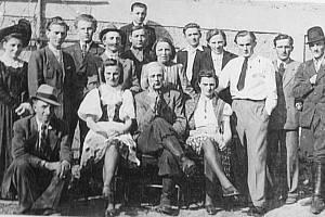 Ochotníci mají v Maloticích svou tradici. Herci spolku ve Lhotkách rozveselovali místní obyvatele v době druhé světové války.
