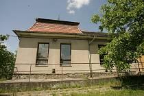 Pomalu chátrající objekt, kdysi slavný hostinec Na Kopečku, čeká přestavba na Evropský dům.