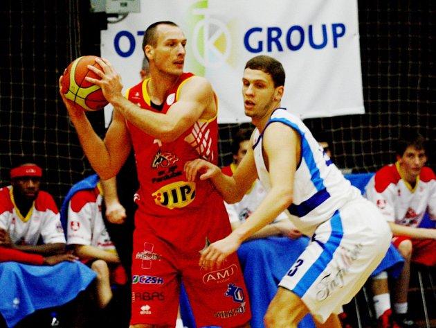 Basketbalisté Kolína po dobrém kolektivním výkonu porazili Pardubice 70:64
