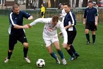 Z utkání Velim - Sl. Jesenice (0:0).