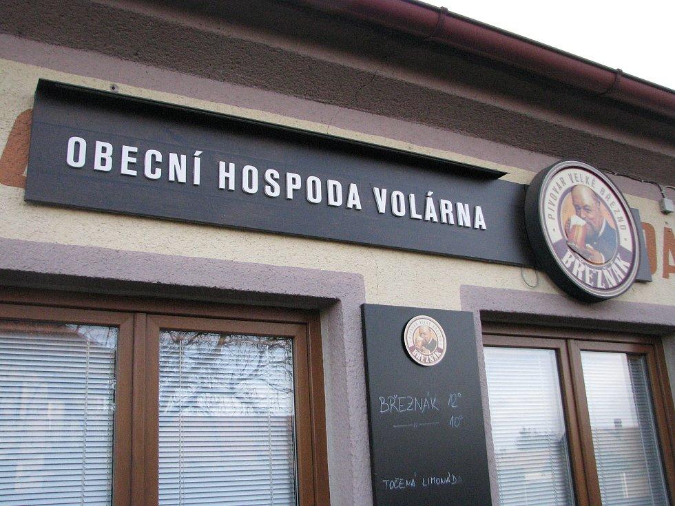 V obci Volárna.