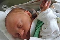 Anna Burgetová se poprvé podívala na maminku Evu a tatínka Romana 6. října 2015. Po narození měřila 45 centimetrů a vážila 2150 gramů. Pyšní rodiče si svou prvorozenou odvezli do Dobřichova.