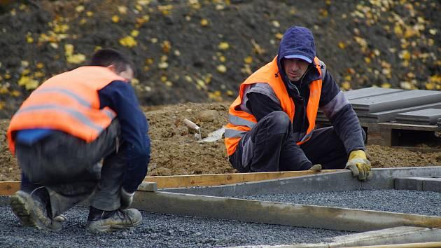 Práce na odpočívce Studený u dálnice D1 mají být hotové do konce příštího týdne.