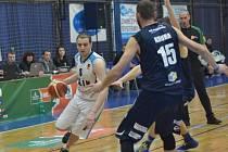 Třetí duel čtvrtfinálové série prohrál Kolín doma s Děčínem 54:72.