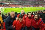 Stadion Wembley, 22. března 2019. Snímek od fanoušků z Kolínska.