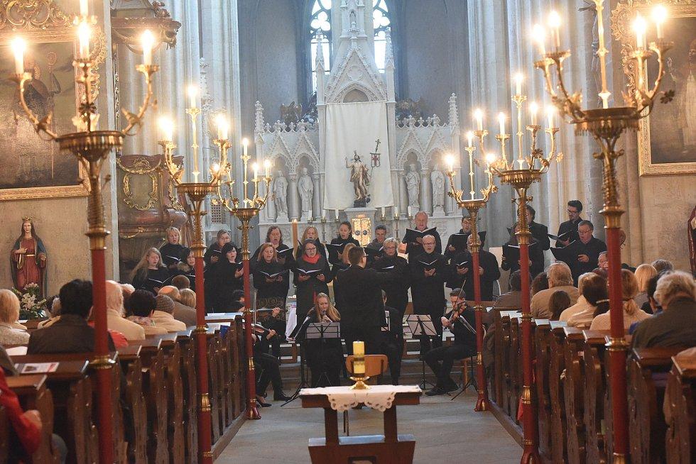 Z koncertu v chrámu sv. Bartoloměje v Kolíně.