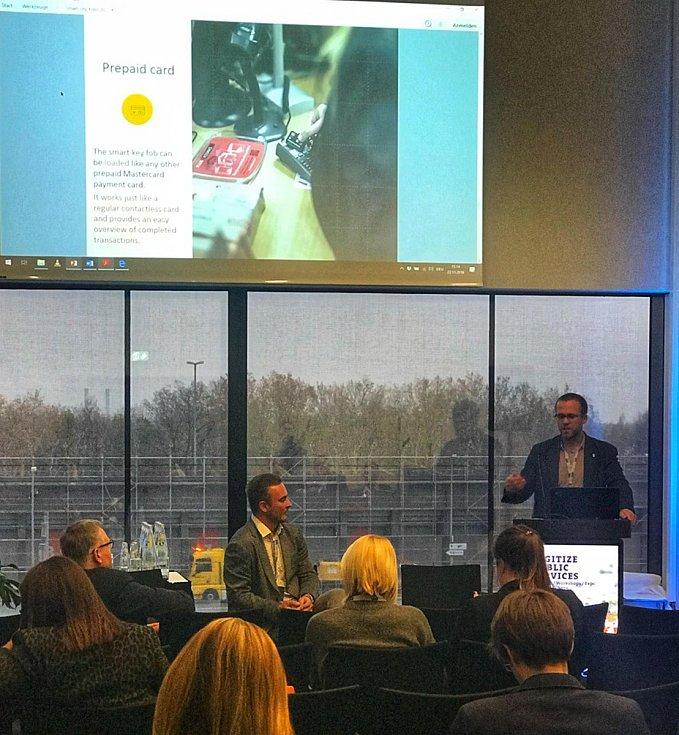 Kolín přednášel na výstavě Smart City řešení.