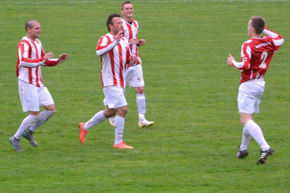 Z utkání Nučice - Jevany (2:4).