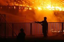 Požár tribuny na hřišti AFK Kolín