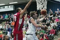 Z basketbalového utkání Kolín - Brno 88:86
