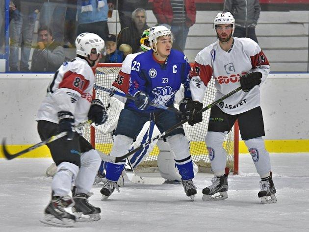 Hokejisté Kolína porazili doma Klatovy 6:3.