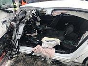 K nehodě osobního vozidla a autobusu na Kolínsku letěl vrtulník.