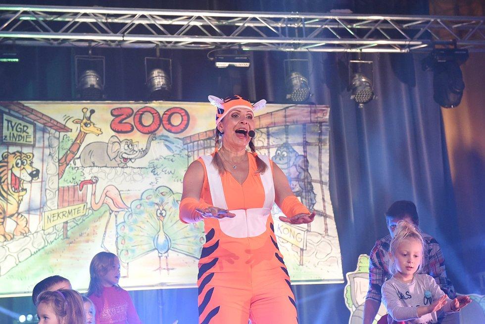 Míša Růžičková pozvala stovky dětí na písničkovou návštěvu ZOO