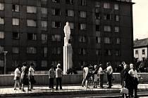 Socha Lenina stávala na sídlišti v Kolíně.
