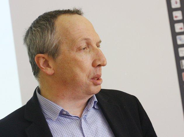 Václav Klaus Ml. Besedoval V Kolíně Se Studenty
