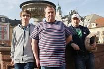 SPRÁVCI facebookové komunity Máme rádi Kolín (zleva): Jakub Mazuch, Vladimír Mazuch, Bedřich Špinka. Společně skupinu administrují.