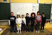 Žáci první třídy Základní školy Přistoupim. Třídu vede učitelka Renata Nováková