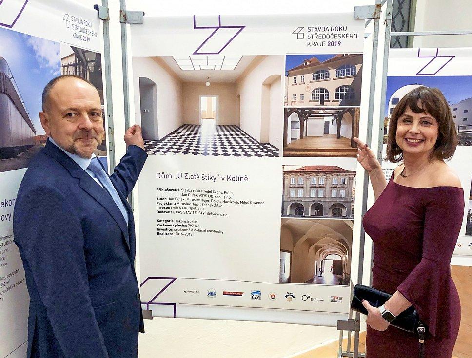 Jan Dufek s manželkou Veronikou při vyhlášení Stavby roku Středočeského kraje 2019.