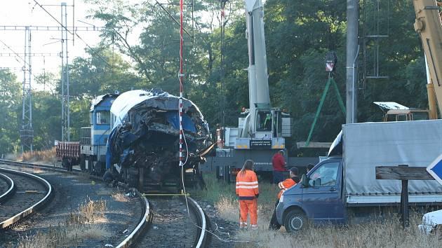 Vagón poškozený při železničním neštěstí u Štolmíře.