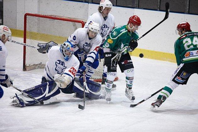 Z utkání čtvrtfinále play off druhé ligy Trutnov - Kolín (5:0).
