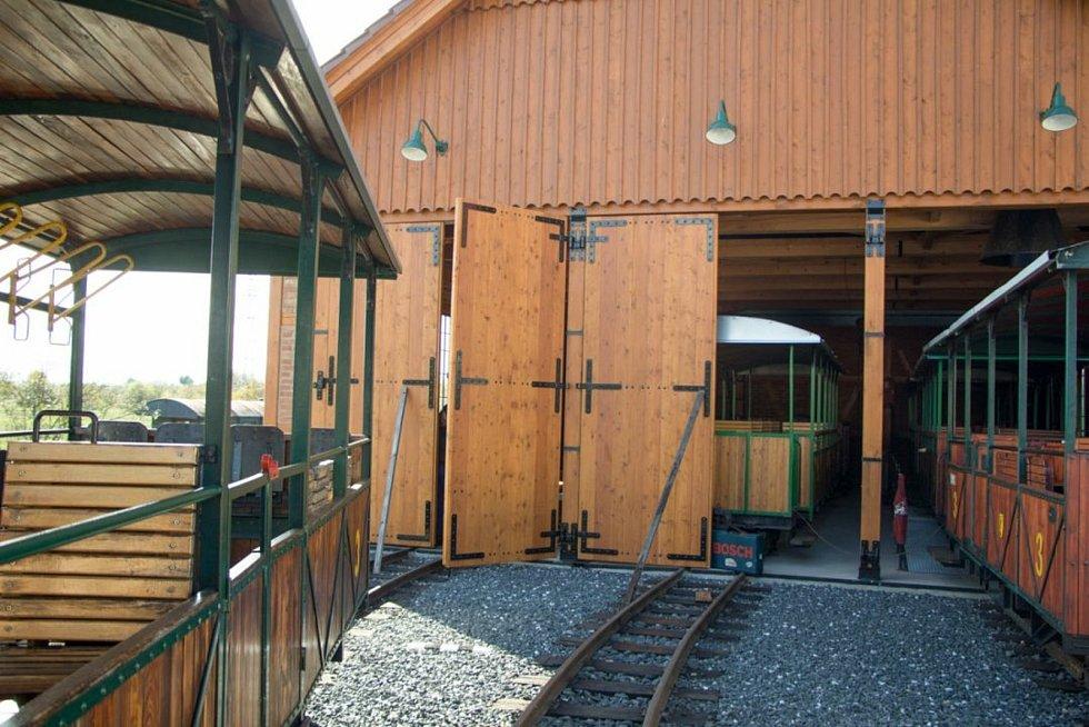 Z výstavby vagónového depa Kolínské řepařské drážky v Sendražicích