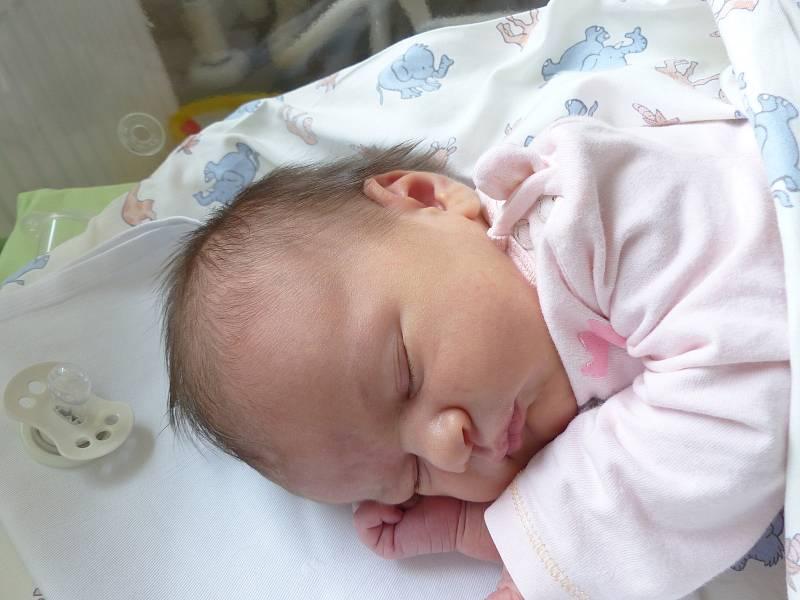 Barbora Fechtnerová se narodila 4. října 2021 v kolínské porodnici, vážila 3625 g a měřila 51 cm. V Polních Chrčicích ji přivítal bráška Jakoubek  (2.5) a rodiče Monika a Jakub.