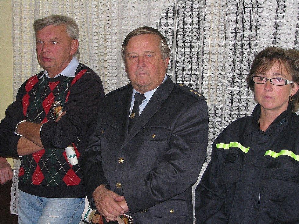 Z natáčení Českého rozhlasu Region u dobrovolných hasičů v Kšelích